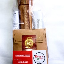 Single Acacia Grinder and Kampot Pepper Giftpack
