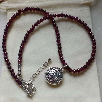 Garnet Aroma Zen Necklace Image