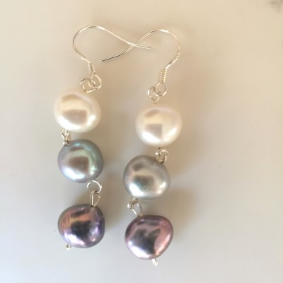 Ombre Pearl Earrings Image