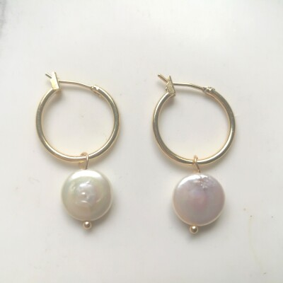 Pearl Earrings Image