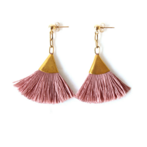 GOLD TASSEL EARRING | BLUSH