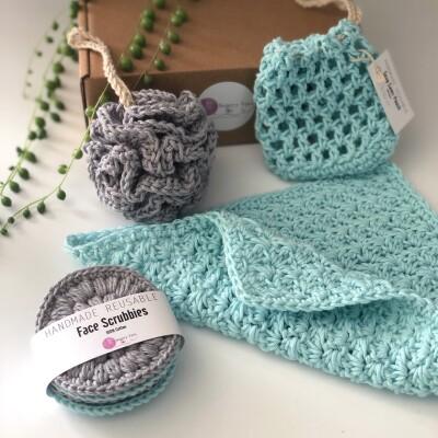 Hand crocheted Luxury Spa   Bath Gift Set 2 Image