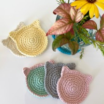 4xHandmade Reusable Cat Face Scrubbies/Coasters Image