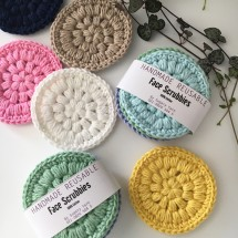 4xHandmade Reusable face Scrubbies/Make-up Removers Image