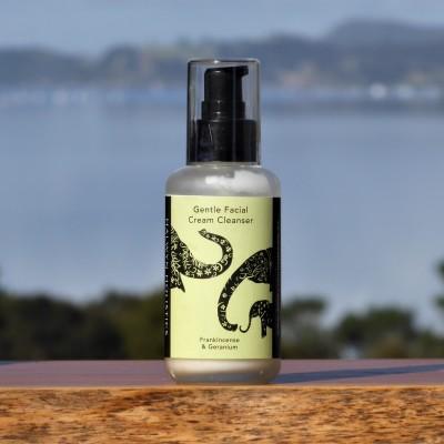 Gentle Facial Cream Cleanser – Frankincense & Geranium Image