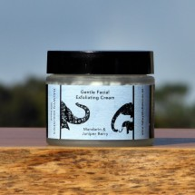 Gentle Facial exfoliating Cream - mandarin and Juniper Image