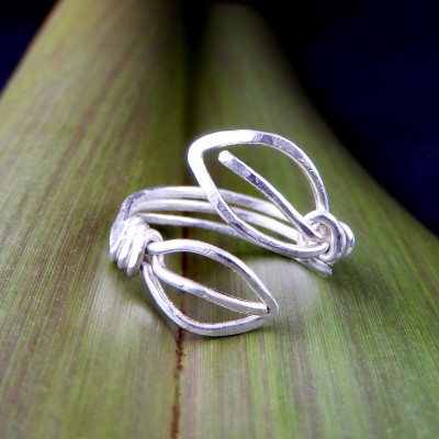 Eco Silver 2 Leaves Adjustable Ring Image