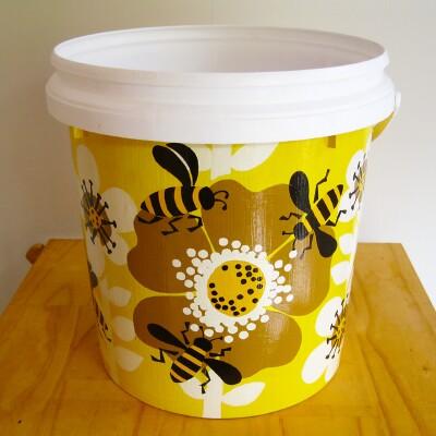 Planter Pot – Bees Image