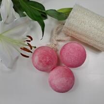 Raspberry & Vanilla Bath Bomb