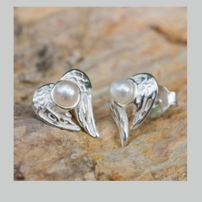 Angelic silver & pearl earrings Image